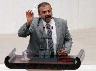 Massacre of Armenians of 1915 in Turkey is called Genocide in all languages - Turkish MP