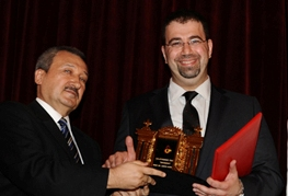 Armenian economist receives Turkish award
