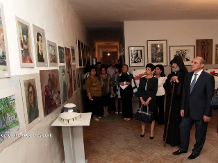 Karabakh President opens exhibition in Stepanakert