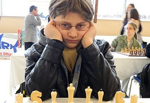 American Armenian becomes world chess champion