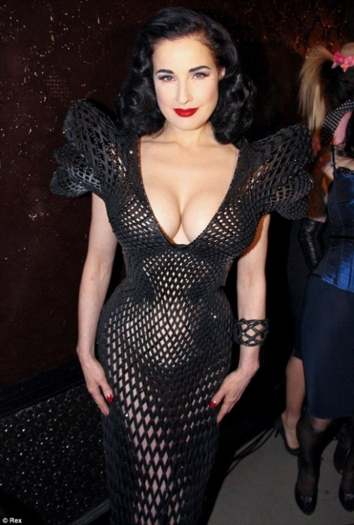 Dita Von Teese presents first 3D-printed dress