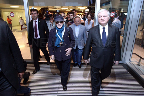 Charles Aznavour arrives in Armenia
